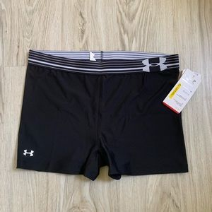 NWT Under Armour bike shorts
